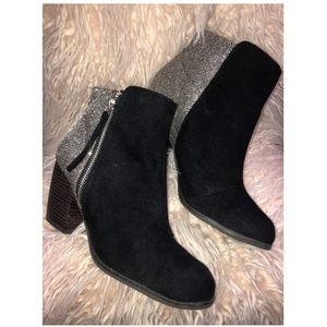 QUPID glitter back ankle booties